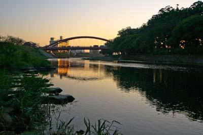 夕暮れの矢部川
